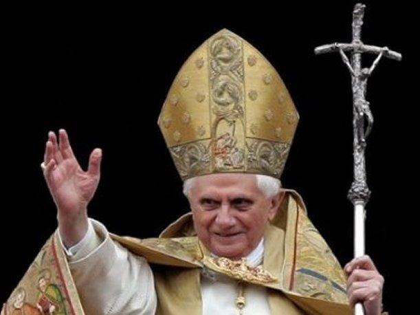 Se pelean por que los visite el Papa