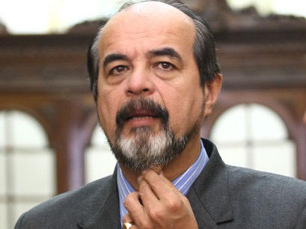 Congresista mauricio mulder llama ineptos a ministros de for Como se llama el ministro del interior