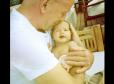 Bruce Willis, el hombre rudo del cine se muestra tierno con su hija recién nacida - Noticias de emma heming